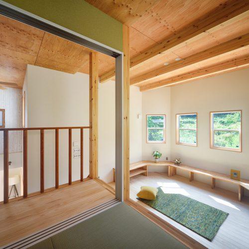 緑の屋根の大きなおうち